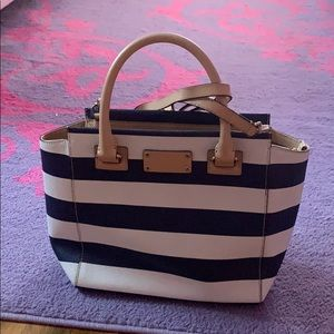 Kate Spade last summer bag. Condition is like new.